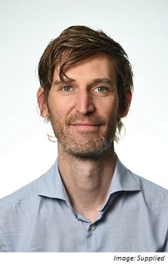 Julian Drape = Sydney Bureau Chief at AAP